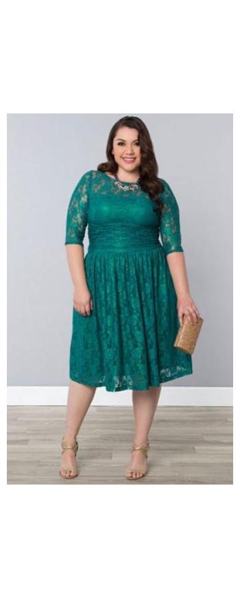 Szmaragdowa koronkowa sukienka plus size