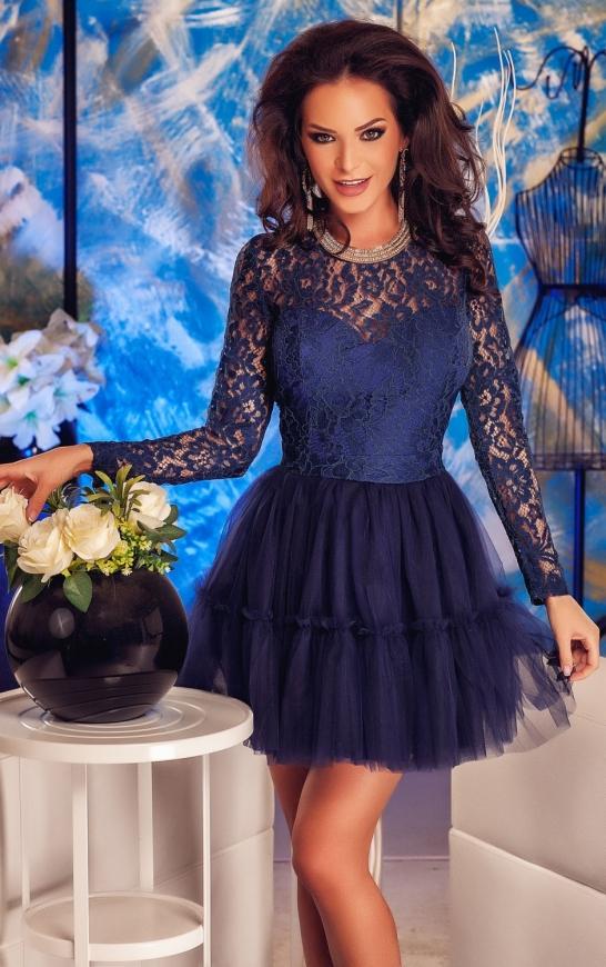 Koronkowa sukienka z tiulem