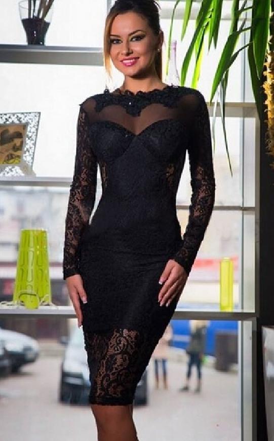 Koronkowa czarna midi sukienka