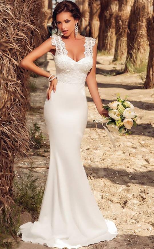 Długa biała sukienka  z koronkowymi ramionami