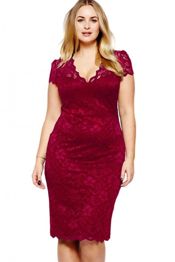 Malinowa koronkowa sukienka plus size