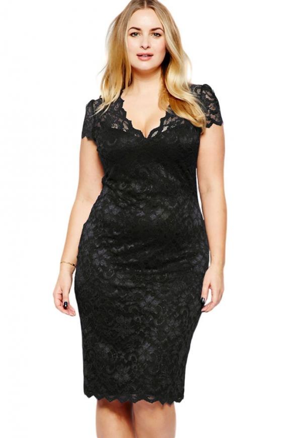 Czarna koronkowa sukienka plus size