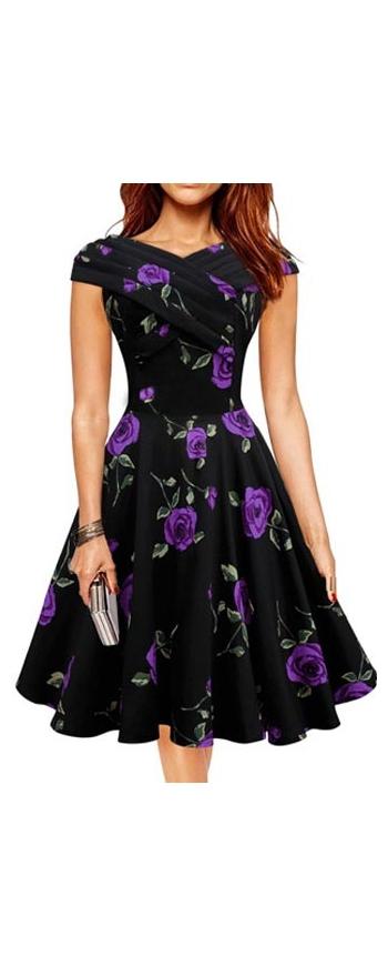 Rozkloszowana sukienka w fioletowe kwiaty