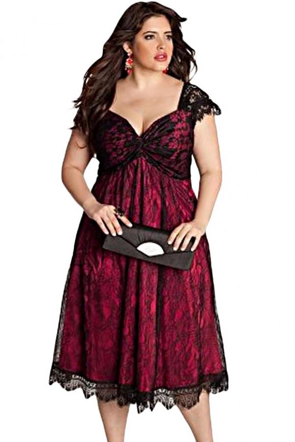 Koronkowa sukienka z bordową podszewką | sukienka plus size