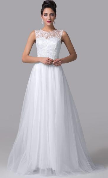 Przepiękna suknia ślubna z tiulowym  trenem | tanie suknie ślubne