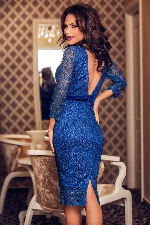 52d0aaa32c Koronkowa niebieska sukienka midi