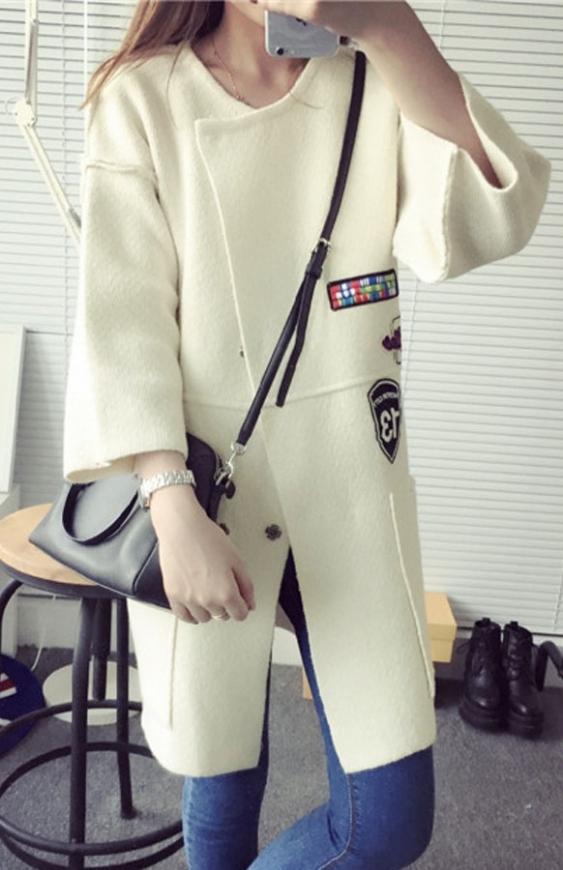 Gruby sweter ala płaszcz w stylu militarnym, kremowy