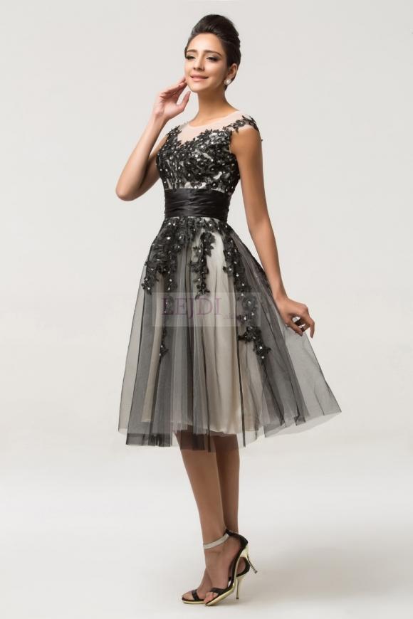 33575c28e7 Sukienka tiulowa zdobiona gipiurową koronką