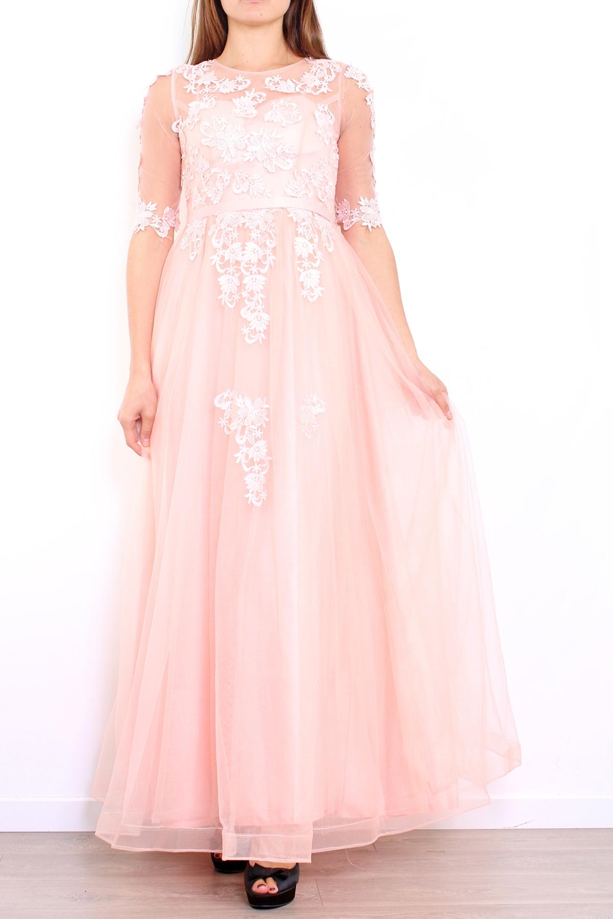 9b5082dc50 Jasno różowa długa suknia z gipiurową koronką z rękawkami