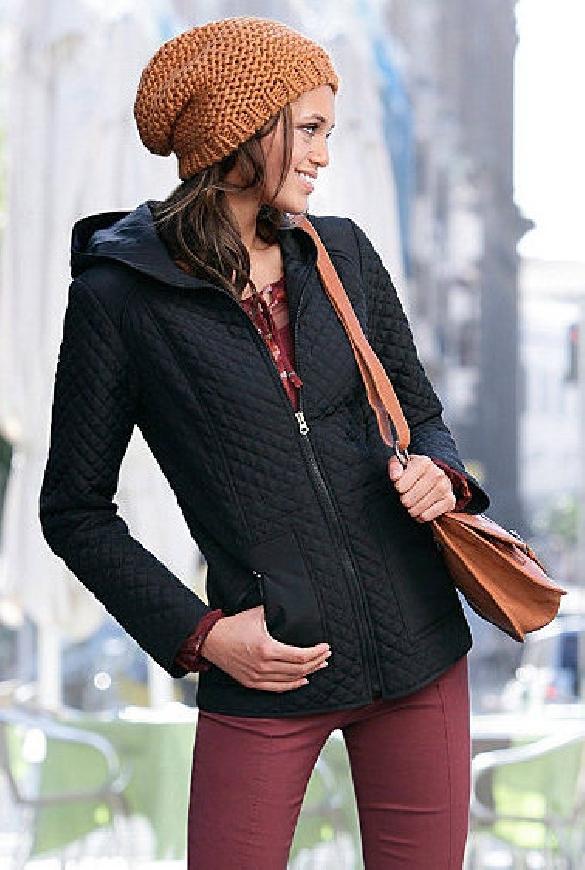Kurtka jesienna pikowana z kapturem | czarna kurteczka pikowana