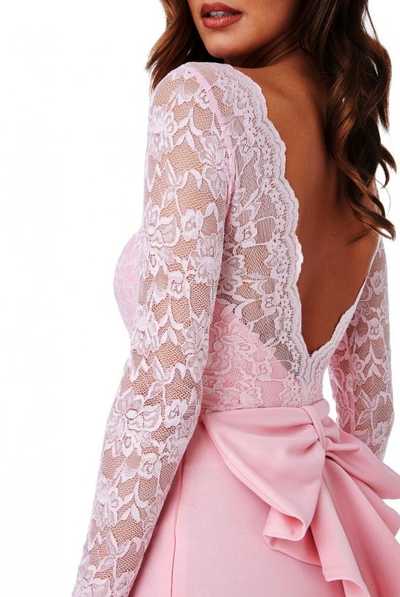 Suknia wieczorowa w jasno różowym kolorze z kokardą z tyłu - Goddiva