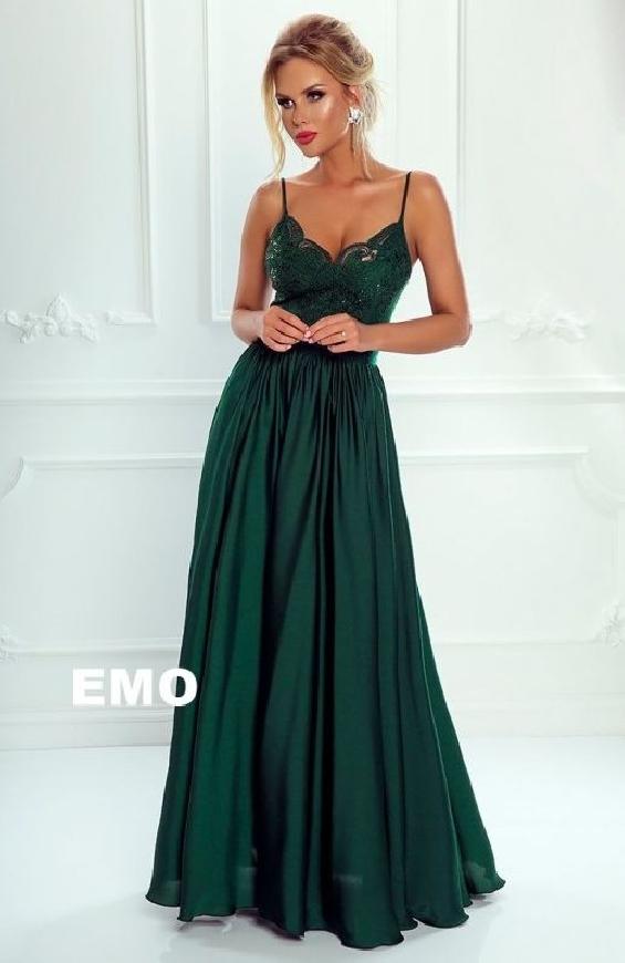 Zielona długa suknia wieczorowa z rozcięciem ukazującym nogę - Bella