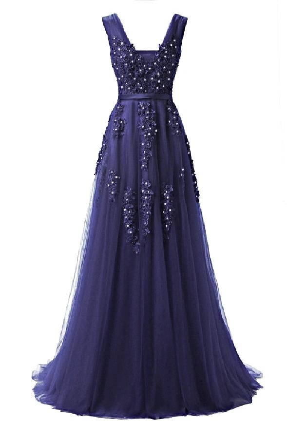 Tiulowa sukienka zdobiona gipiurową koronką | granatowa suknia wieczorowa z odkrytymi plecami