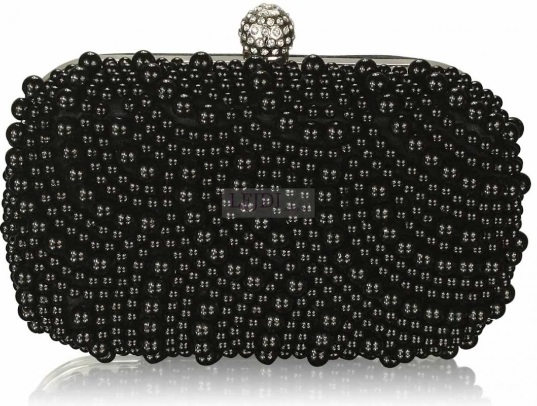 Czarna torebka wieczorowaz koralikami