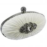 Biała ślubna torebka z kryształkową broszą
