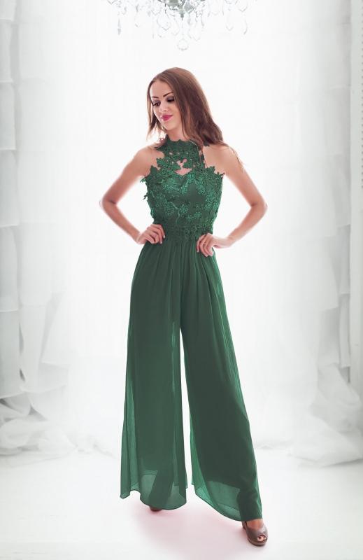 Wieczorowy kombinezon na wesele, studniówkę w kolorze butelkowej zieleni| szyfonowy kombinezon zdobiony koronkowymi kwiatami 3D
