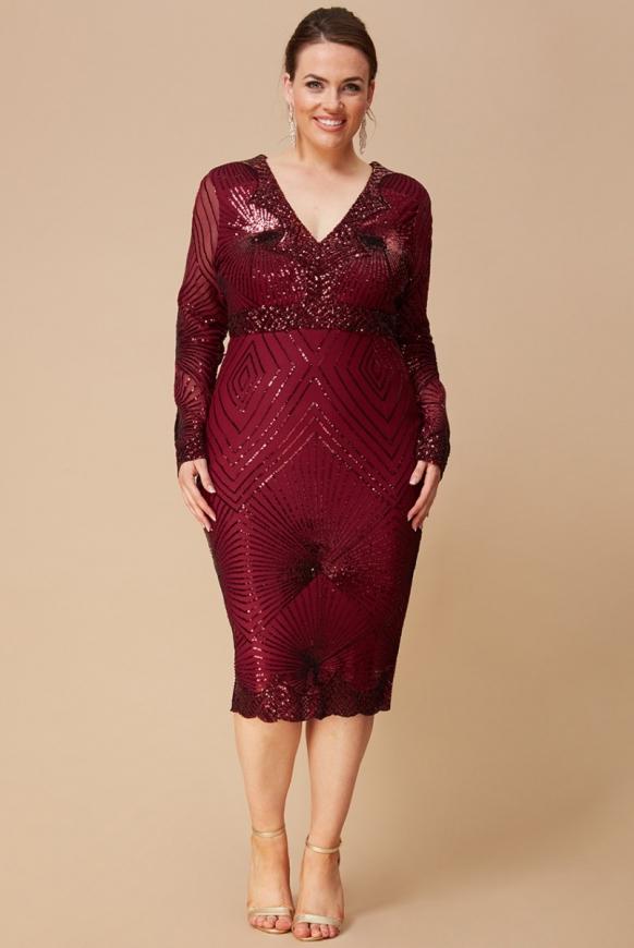 Krótka cekinowa sukienka plus size w kolorze wina