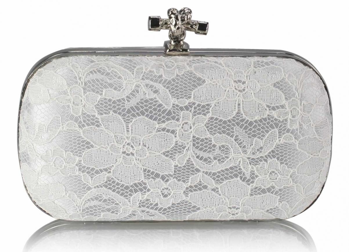 Biała koronkowa torebka ślubna, komunijna