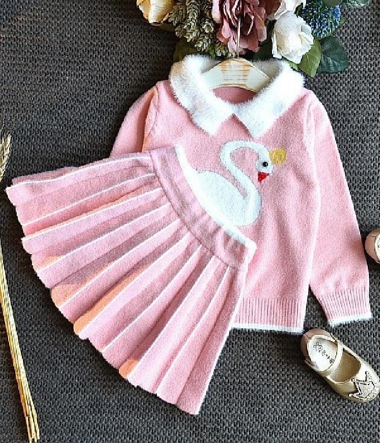 Zestaw dla dziewczynki spódnica i sweterek z łabędziem