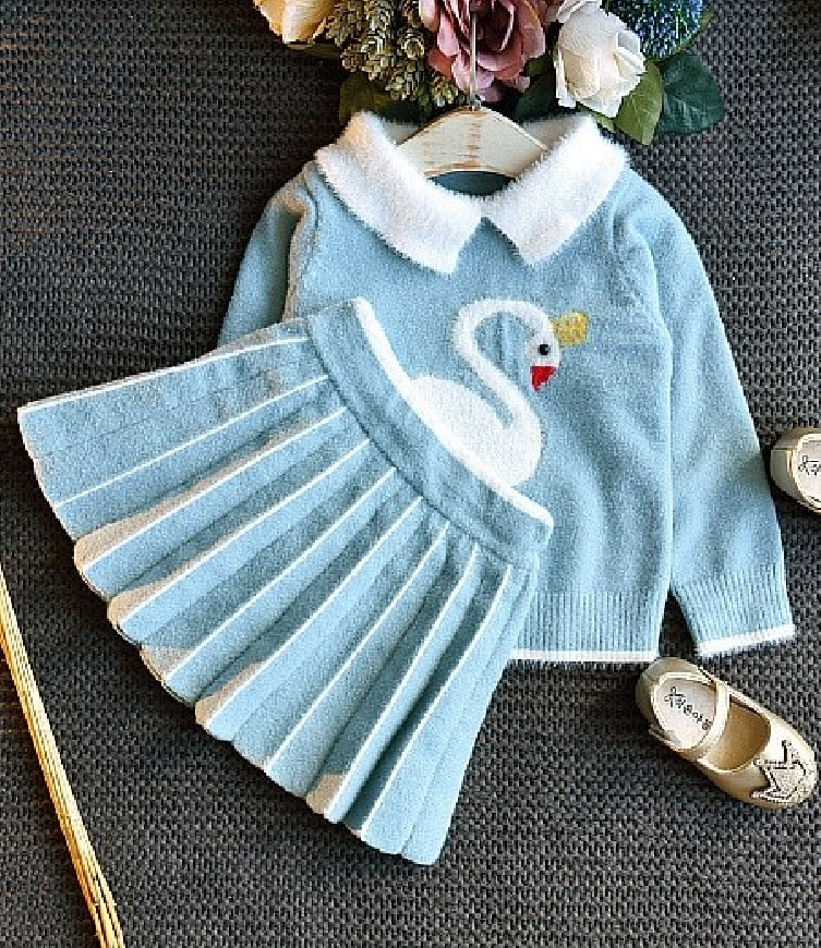 Błękitny komplet dla dziewczynki, spódniczka i sweterek