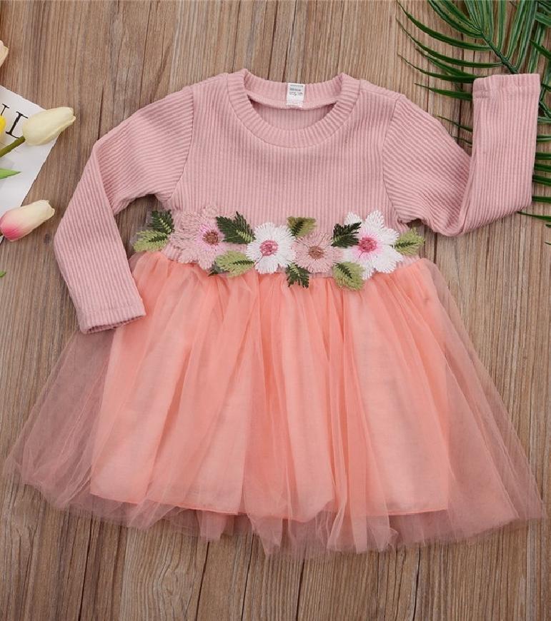 Tiulowa sukienka dla dziewczynki z kwiatkami