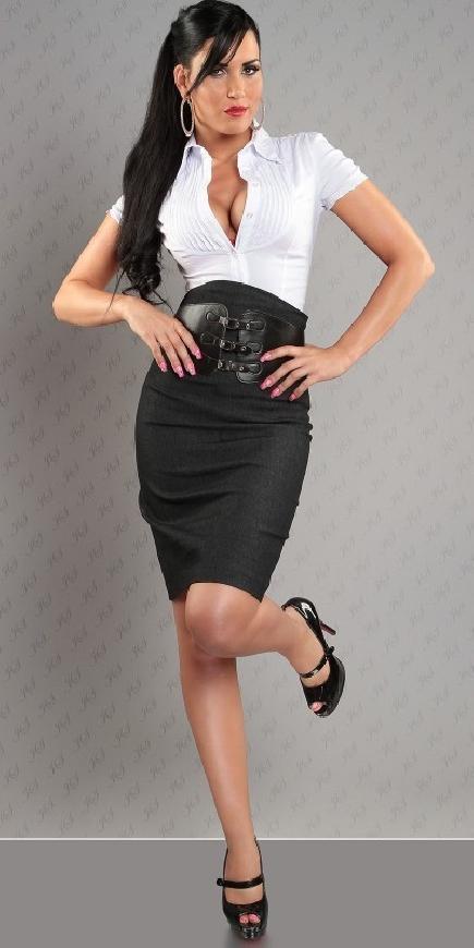 Czarna jeansowa spódnica z wysokim stanem