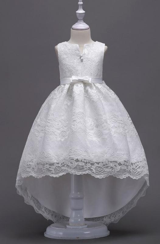Koronkowa sukienka na komunię z wydłużonym tyłem