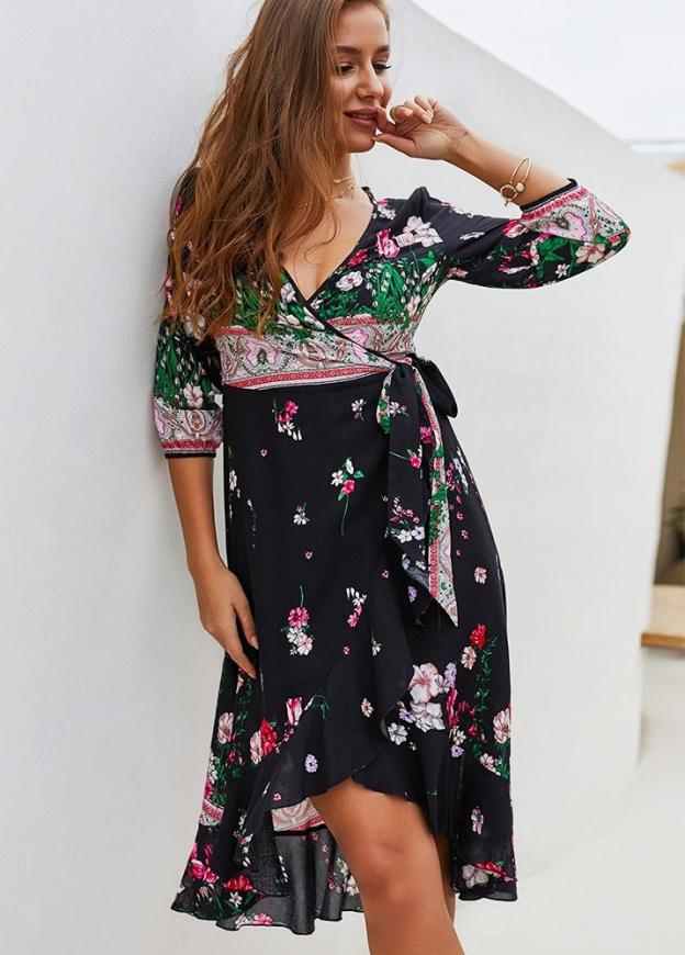 Czarna sukienka letnia w kwiaty