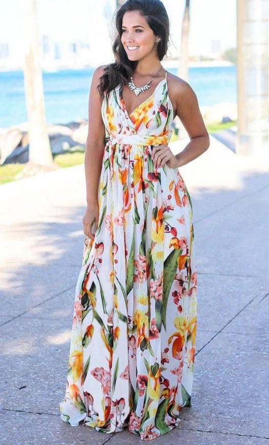 Biała letnia sukienka w kwiaty