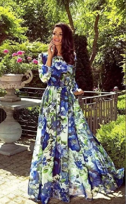Zwiewna sukienka wieczorowa w niebieskie kwiaty Linda