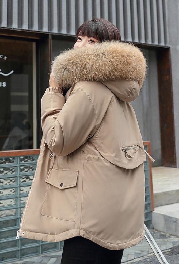 Beżowa zimowa kurtka z futerkiem