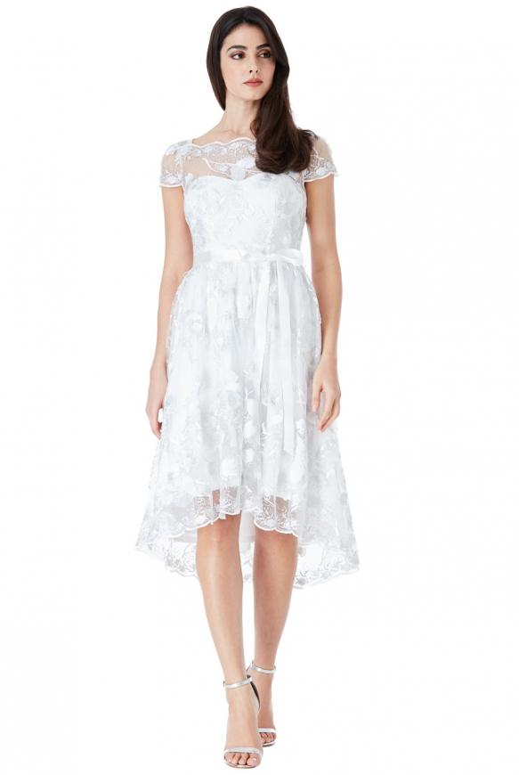 Biała koronkowa sukienka z wydłużonym tyłem