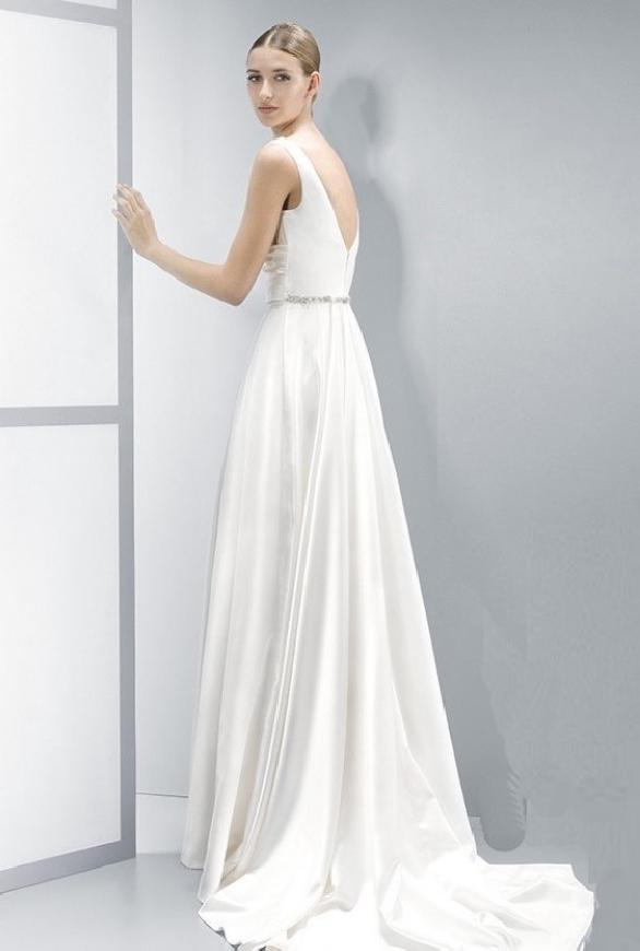 Fenomenalna suknia ślubna z wydłużonym tyłem