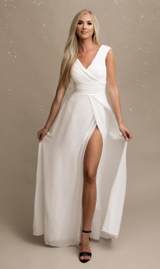 Piękna suknia ślubna z plisowanym dekoltem