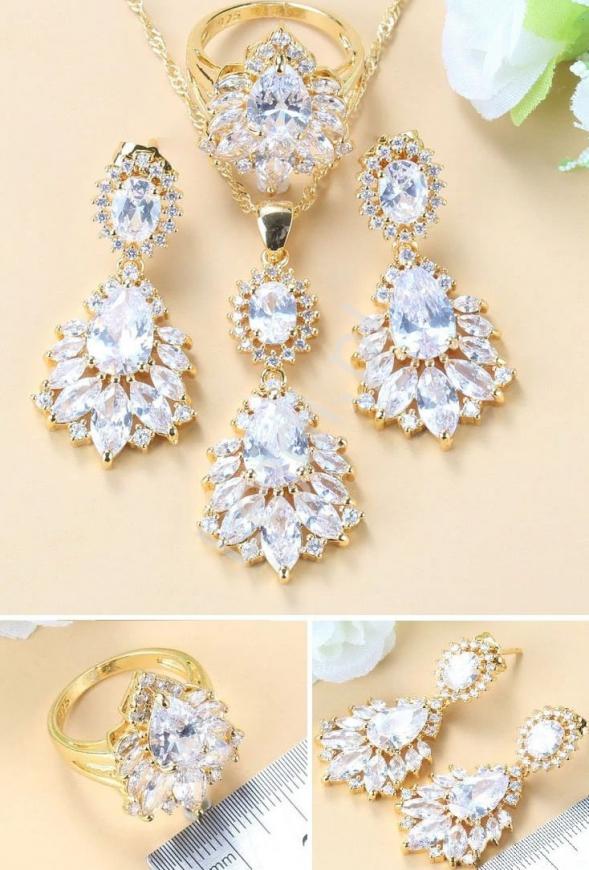 Zestaw biżuterii ślubnej, wieczorowej w złotym okuciu: kolczyki, pierścionek, naszyjnik