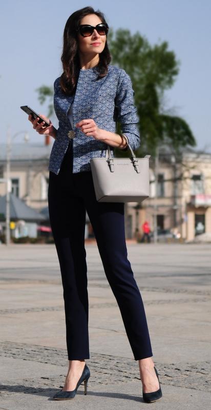 Piękny komplet biznesowy w stylowym wydaniu, marynarka i spodnie, komplet m400