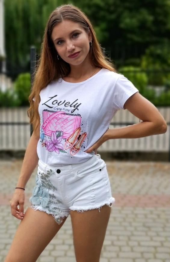 Biały t-shirt damski z napisem Lovely