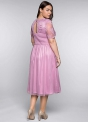 Wrzosowa sukienka plus size z koronkowa górą i tiulowym dołem