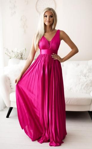 Wieczorowa suknia plisowana z satyny w kolorze fuksji