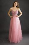 Tiulowa sukienka wieczorowa w kolorze pustynnego różu