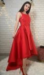Czerwona wieczorowa sukienka z wydłużonym tyłem