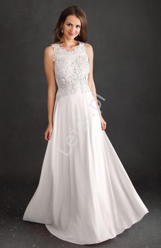 Fenomenalna sukienka ślubna z koronką na dekolcie i plecach
