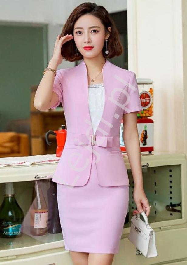 Garsonka w różowym kolorze, spódnica i żakiet