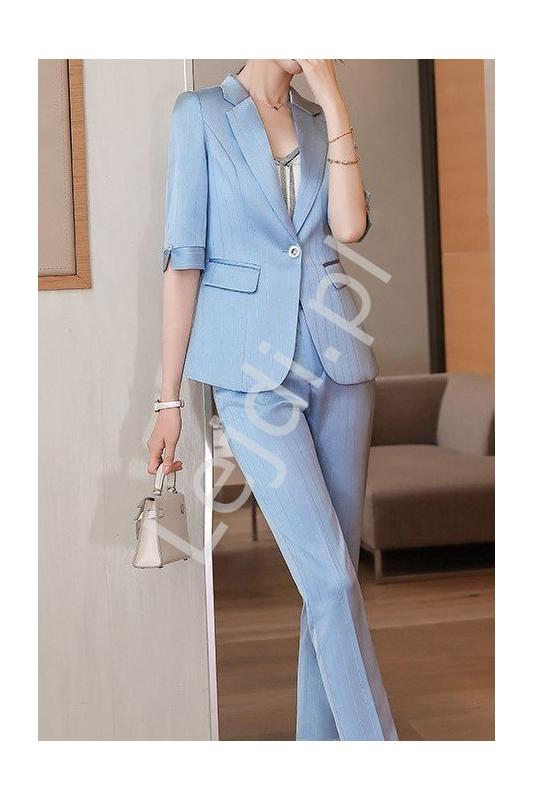 Satynowy garnitur damski w błękitnym kolorze z błyszczącą nicią3011