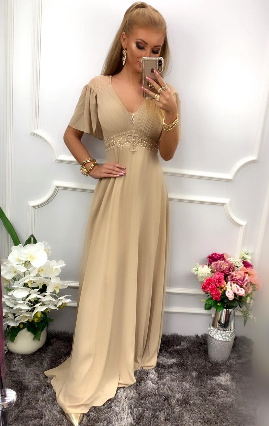 Długa sukienka na wesele dla mamy